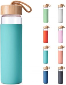 Yomious 20 Oz Borosilicate Glass Water Bottle with Bamboo Lid and Silicone Sleeve