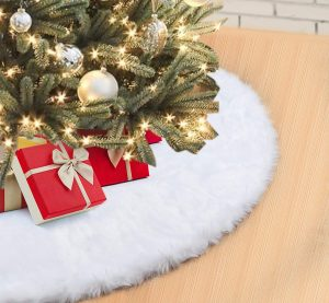 ilauke's Faux Fur Christmas Tree Skirt