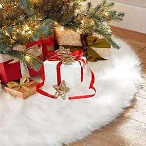CHICHIC's Deluxe Christmas Tree Skirt